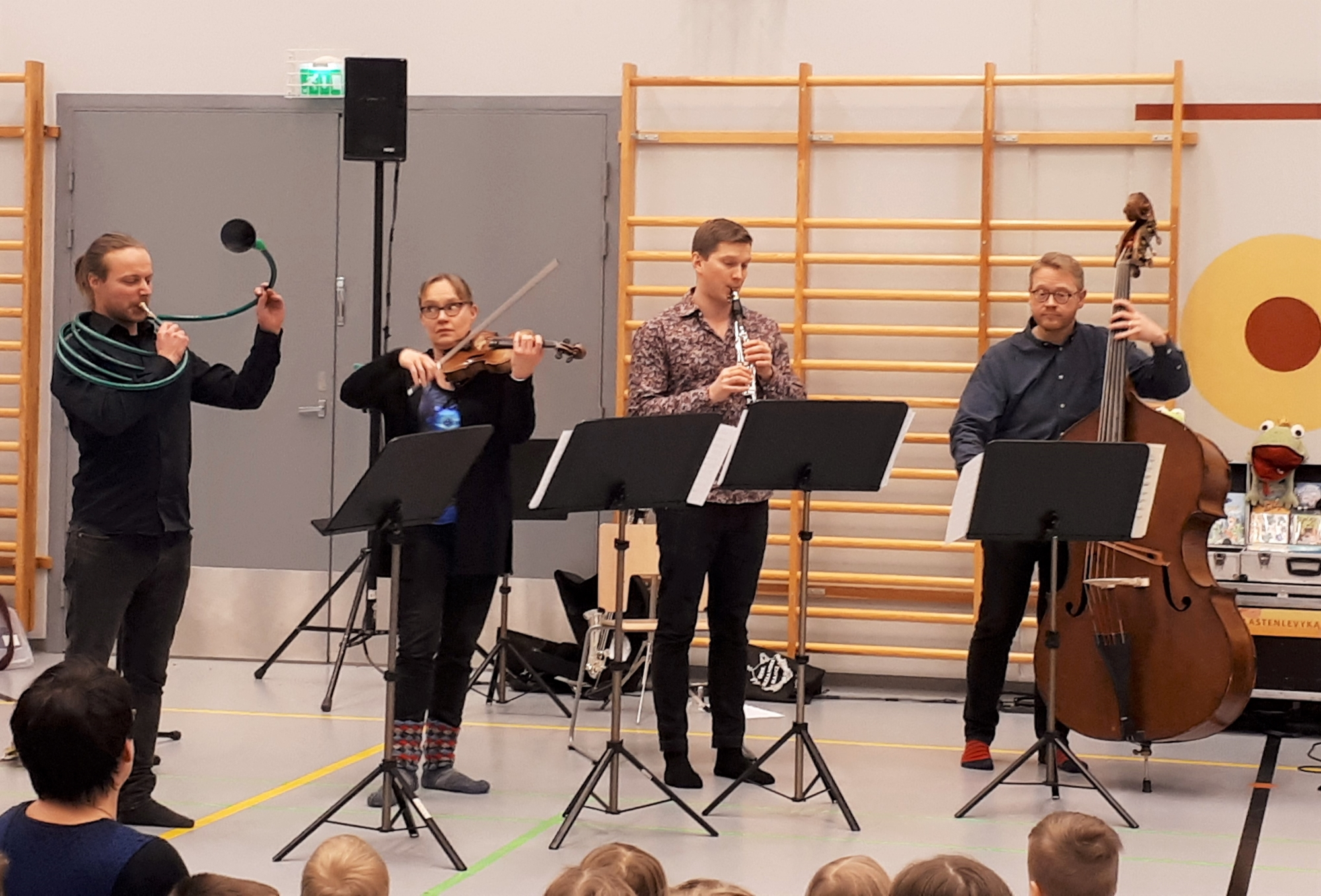 sinf_koronavinkki_orkesterikylassa2.jpg